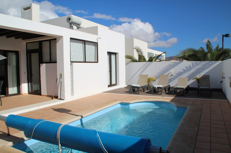 Villas With Pool In Arrieta Lanzarote